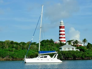 Bareboat sailing at Abaco Lighthouse
