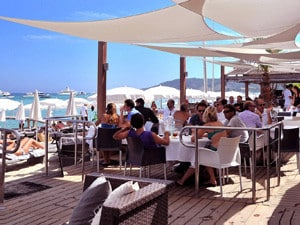 Yacht Charter South of France café
