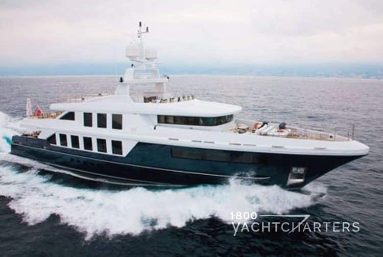 NATORI yacht underway