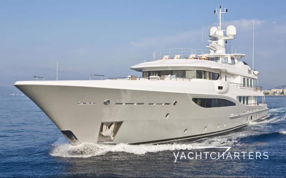 4YOU luxury yacht running