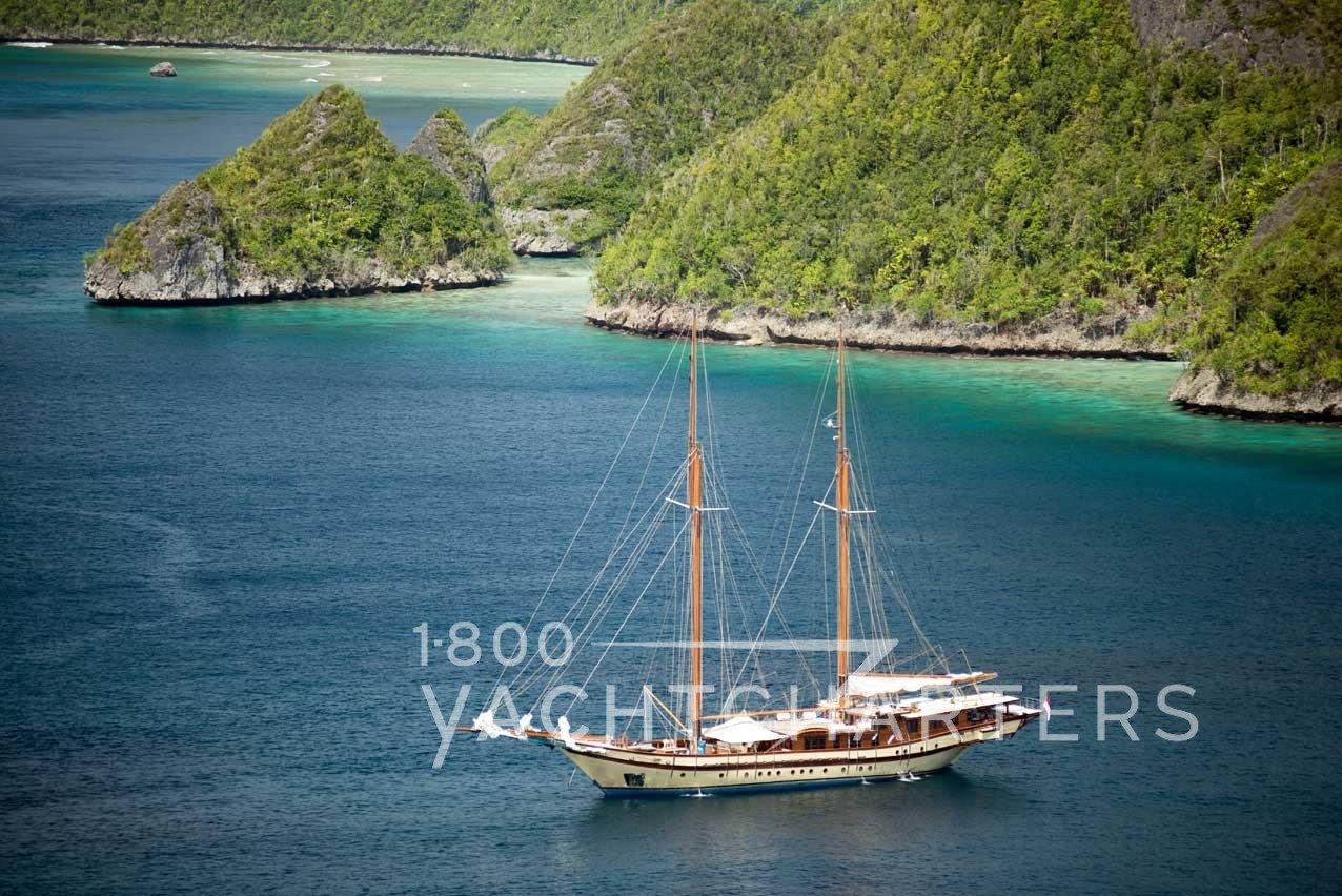 LAMIMA gulet sailing yacht at anchor