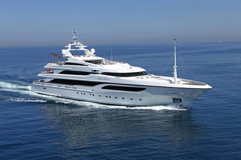 Seanna Benetti white yacht running profile