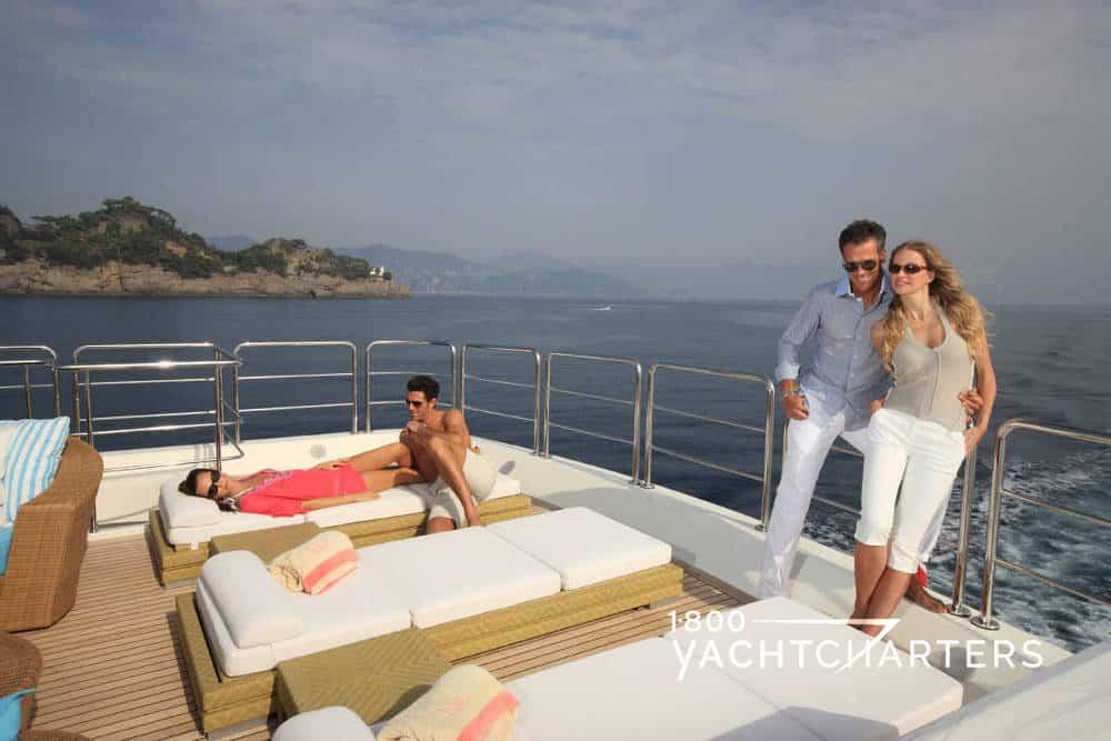 HANA motoryacht charter sunlounges