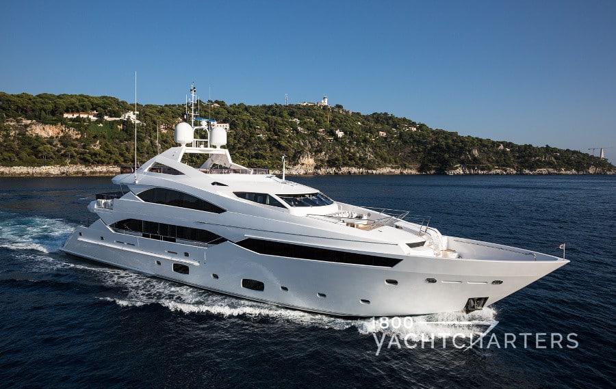 Yacht charter THUMPER superyacht rental