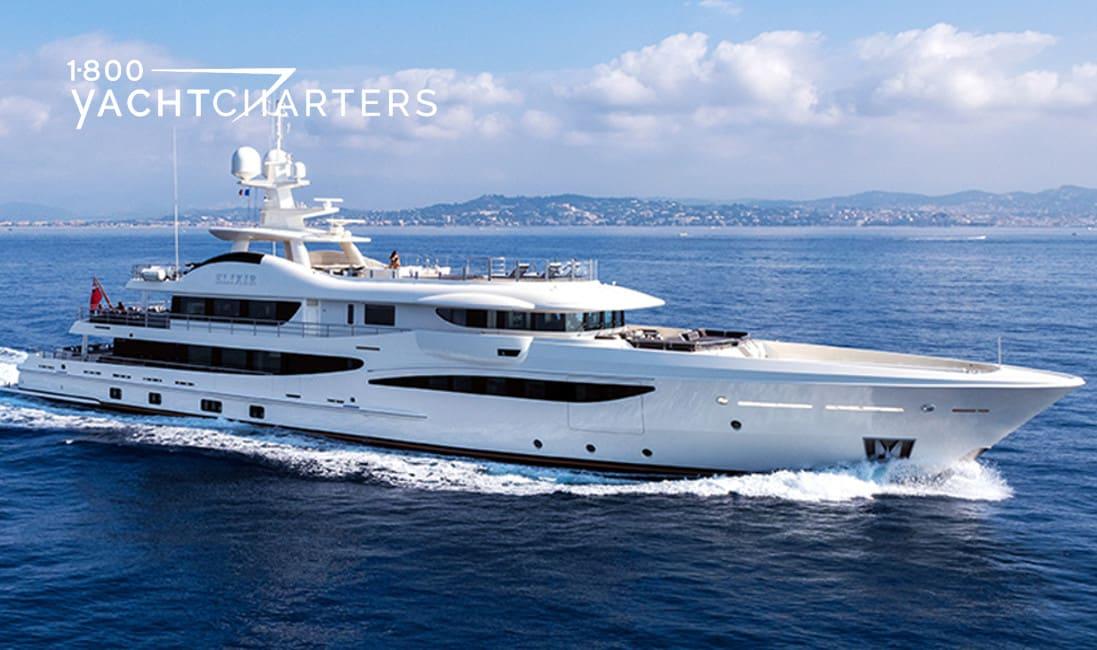 ELIXIR yacht underway