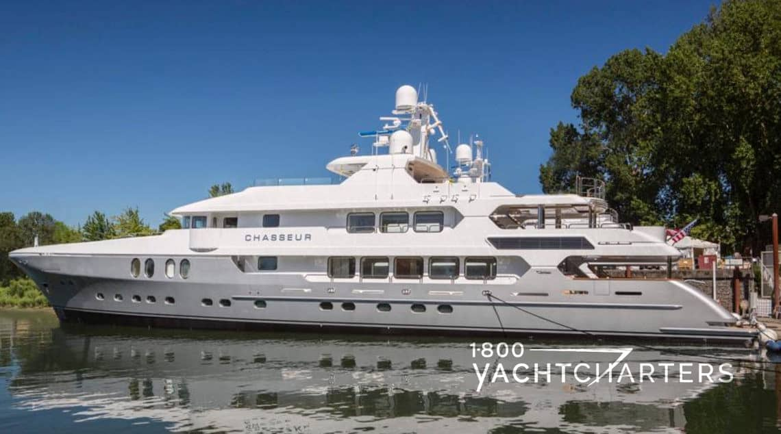 CHASSEUR yacht profile