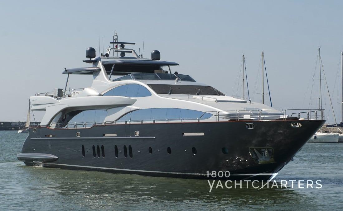 TAIL LIGHTS yacht profile