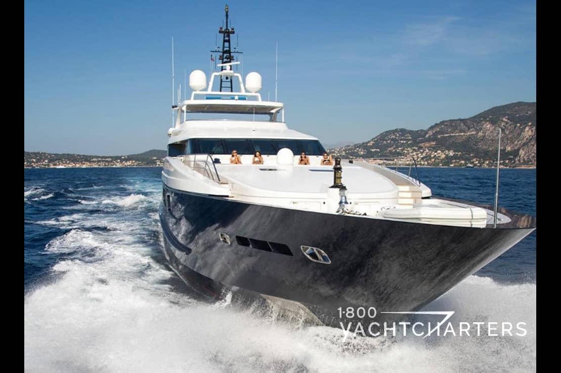 MISCHIEF yacht bow