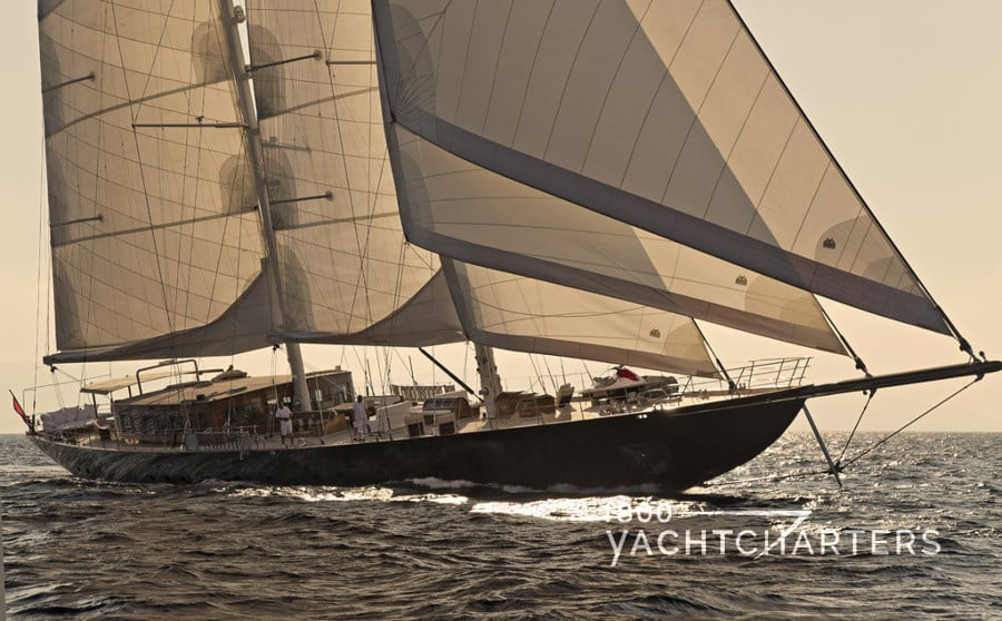 sailing yacht regina underway