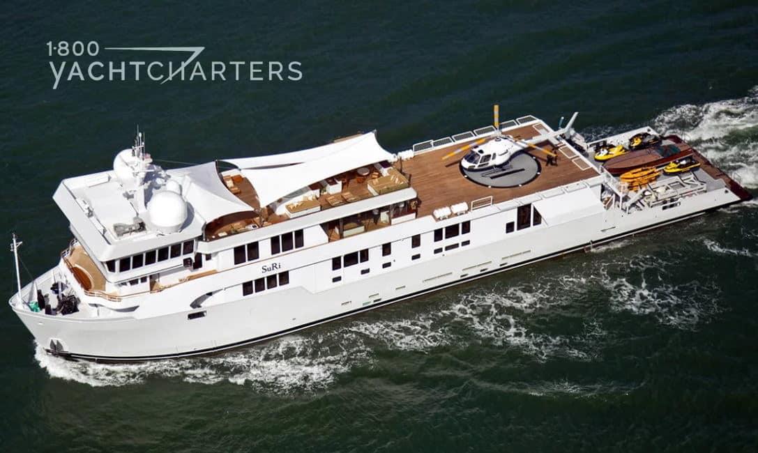 Yacht SuRi underway